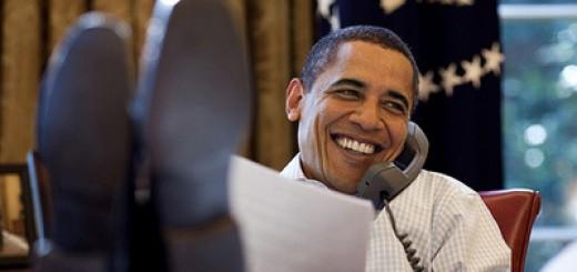 obama-feet-desk
