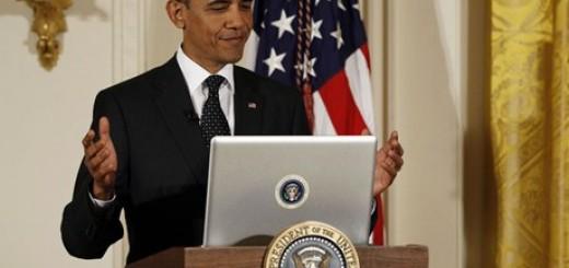 Obama_On_Computer